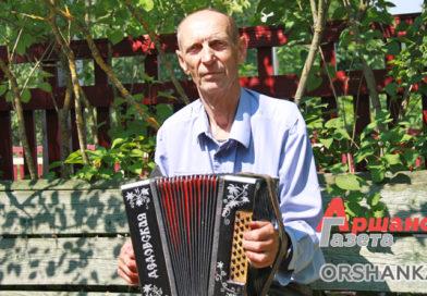 Житель Копыси собрал коллекцию гармоней. Самой старой — почти 100 лет
