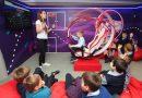Более тысячи школьников посетили выставку МТС «Вселенная интернета» — работа экспозиции продлена до конца года