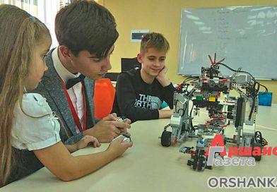 Как дети в Орше создают роботов: репортаж из IT-академии (видео)