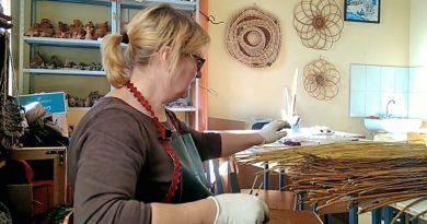 В художественной галерее открылась выставка мастеров Оршанского дома ремесел