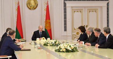 Александр Лукашенко не видит оснований менять внешнеполитический курс Беларуси