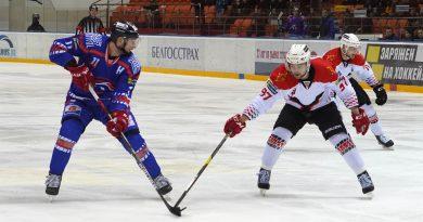 «Локомотив» начал выступление в переходном турнире