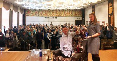 Алексей Талай провел урок мужества в гимназии № 1 в Орше