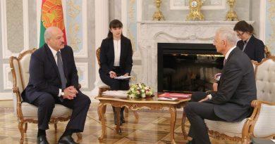 Александр Лукашенко предлагает серьезно расширить сотрудничество между Беларусью и Латвией