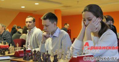 Шахматисты из 9 стран соревнуются на турнире «Орша-2020»
