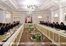 Лукашенко проводит совещание по актуальным вопросам